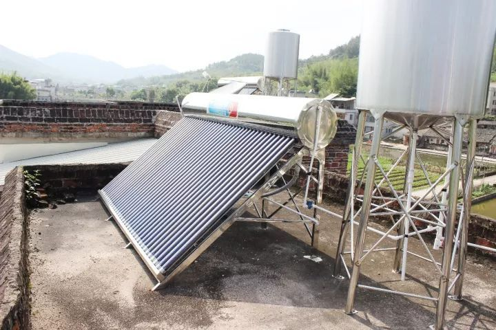 安装太阳能热水器,政府补贴3300元!图片