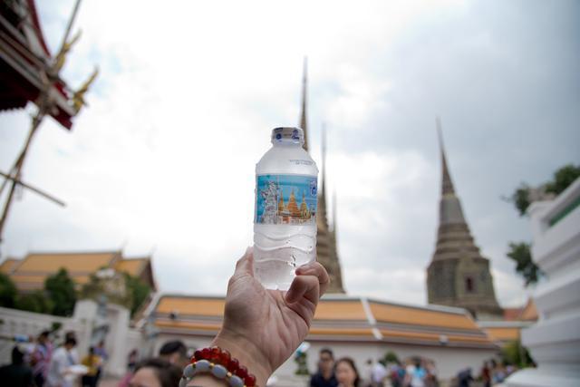 是寺庙又是大学,因正宗泰式按摩而走红,还拥有世界最大卧佛