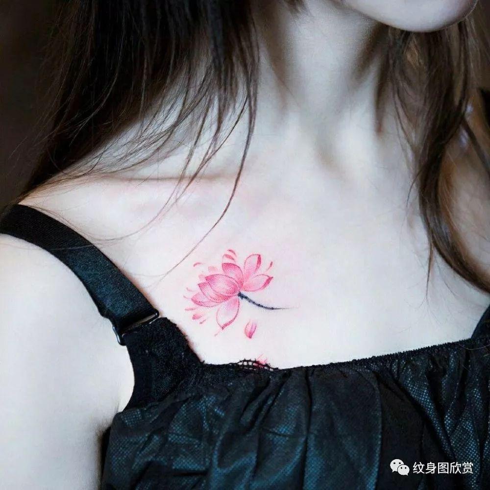 锁骨纹身 - 小清新美女锁骨纹身图片图片