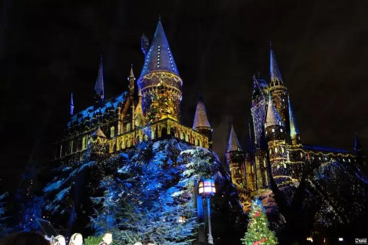 霍格沃茨城堡将会上演前所未有的大型灯光秀