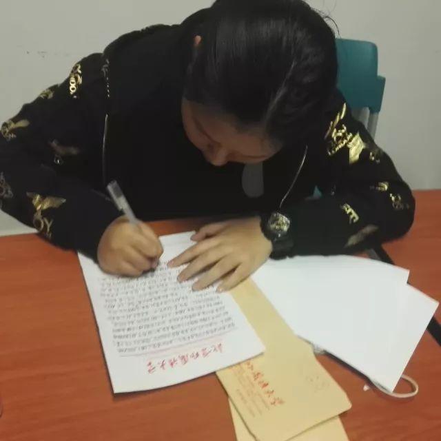 【校园资讯】格瑞思国际学校北外校区感恩节活