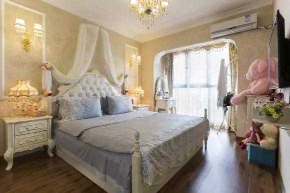 新房刚刚装修好,花费35万装修的欧式风,卧室简直太有爱了图片