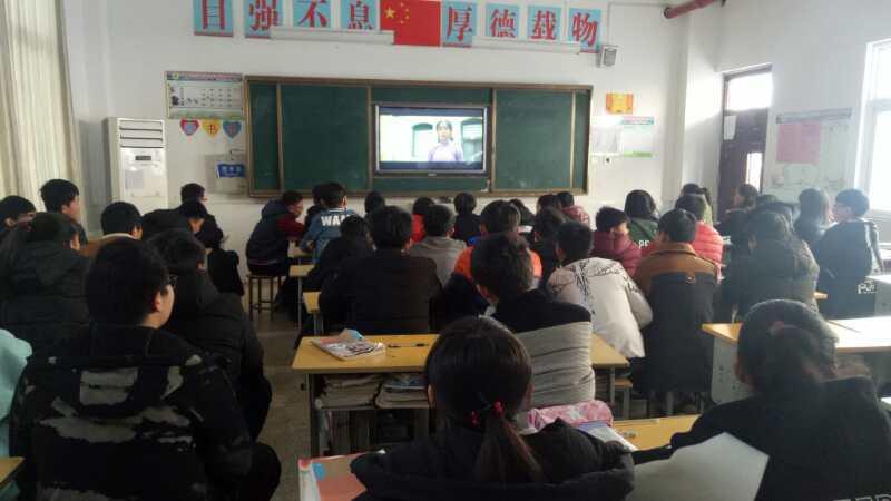 """《党的女儿尹灵芝》走进山东微山 3000多名学生接受""""红色""""洗礼"""