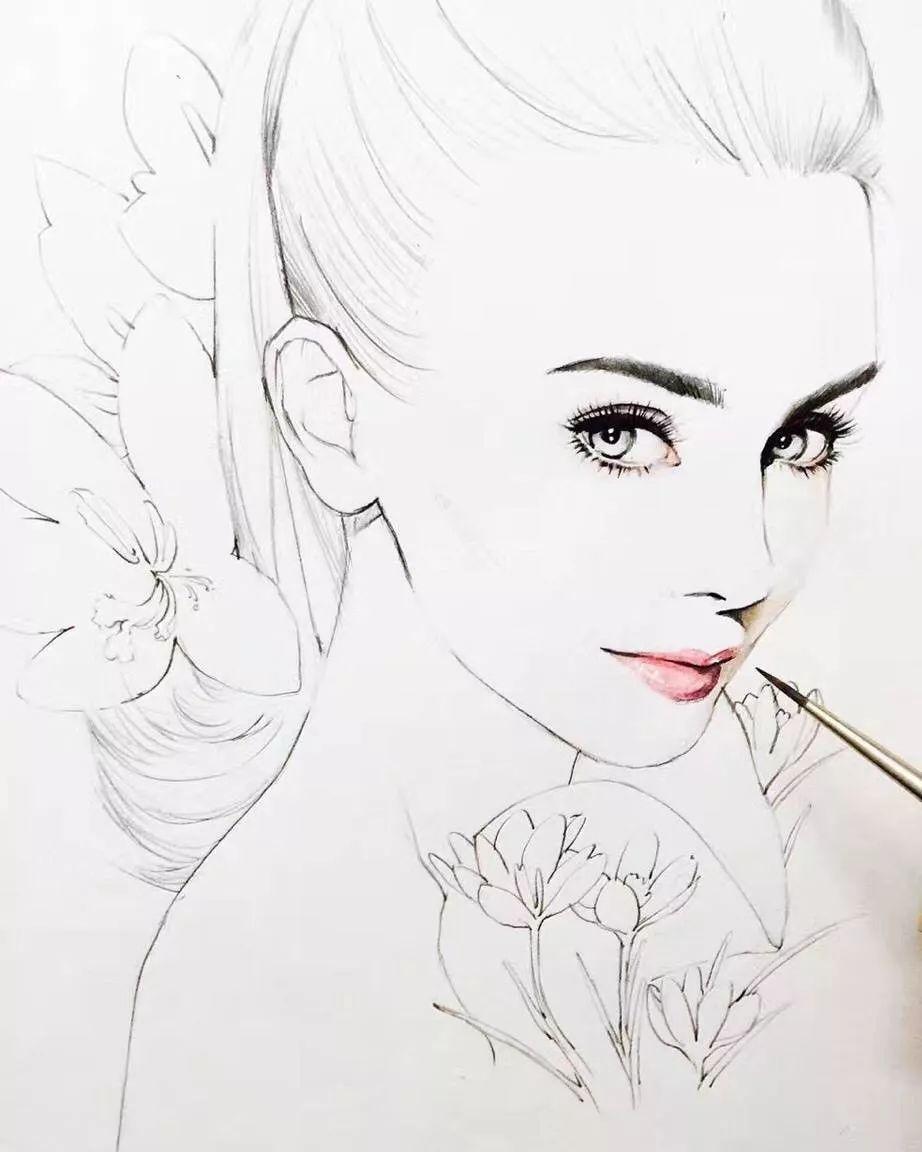 只需简单几笔就把人物画的很唯美