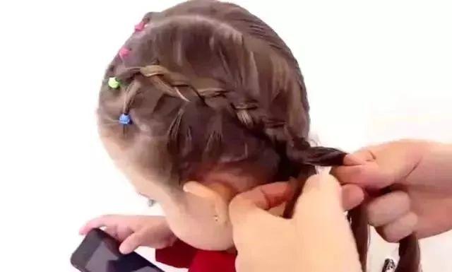 儿童编发   简单易学的可爱小女孩麻花辫,所有的宝妈们都能学会!