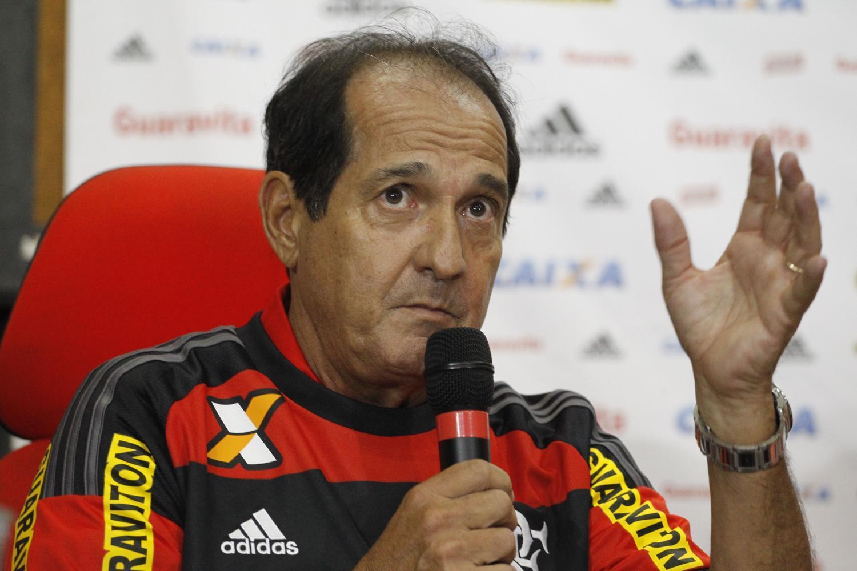 十九年前他带申花首次获得足协杯冠军却被批不职业惨遭解雇