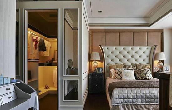 巧借小卧室划出衣帽间 小户型也能拥有豪宅范儿图片