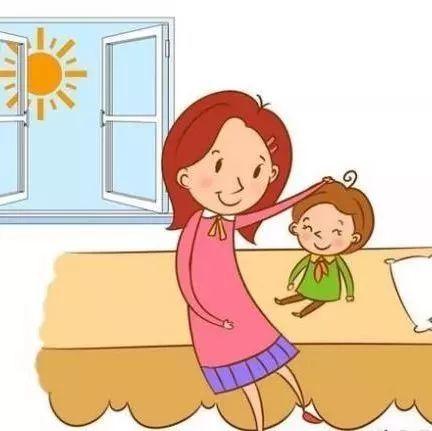 例如叫孩子起床时可以说:宝贝,你看太阳公公起床了,小鸡,小鸟要做早操
