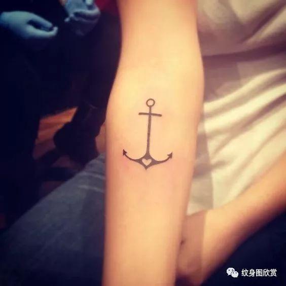 手臂纹身 - 船矛纹身图片