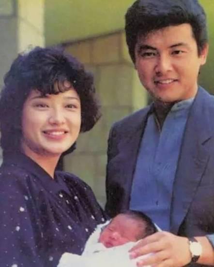 山口百惠 三浦友和 结婚37年从未吵架,好的爱情就是温柔相待图片