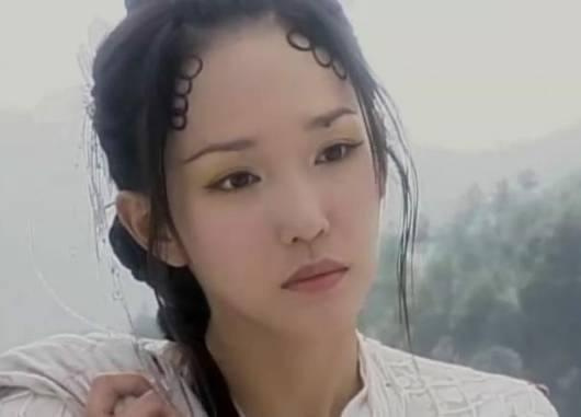 范文芳,在《青蛇外传》中出演白素贞,这发型,总是让小编觉得这不是图片