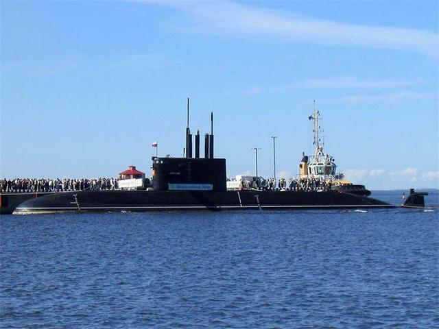 雷达发现潜艇的原理_潜艇雷达图片