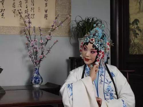 文化 正文  经典剧目 《花木兰》《大祭桩》《拷红》《断桥》《常香玉