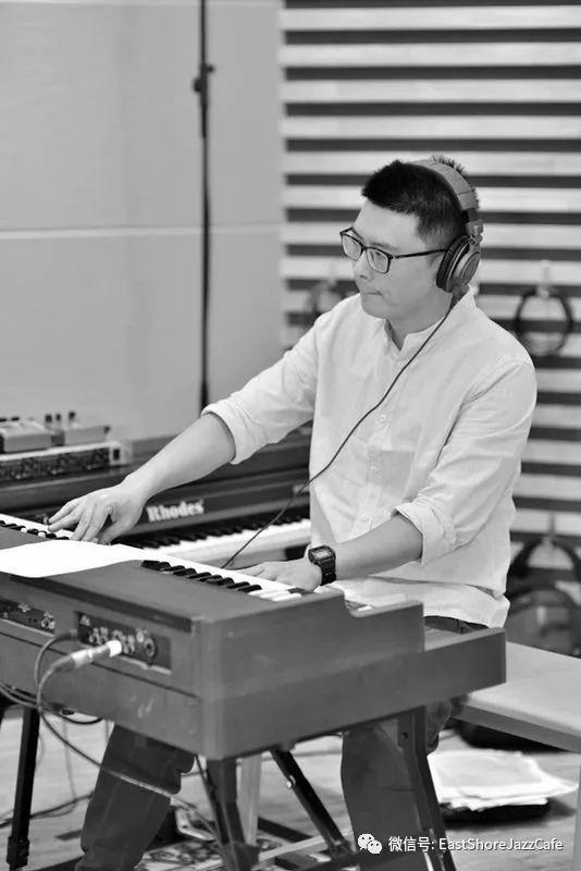 周侠:著名钢琴,键盘合成器,电子管风琴演奏家,教育家图片