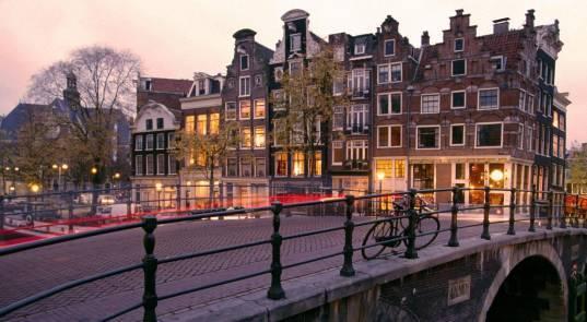 荷兰经济总量 人口_荷兰人口