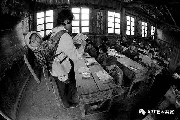 解海龙走遍中国128个县,用相机记录贫困地区孩子教育状况