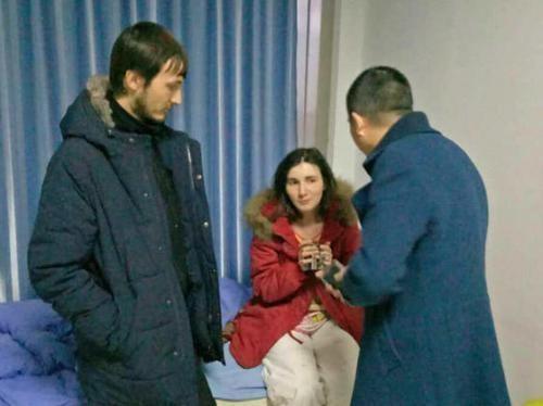 有些老外明明很有钱,却喜欢来中国穷游,你知道为什么吗?