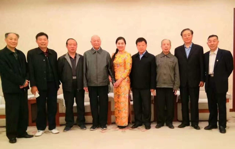 毛主席身边的工作人员:吴连登,曾文,王明富,冯寿淼,王聚英,任智才将军