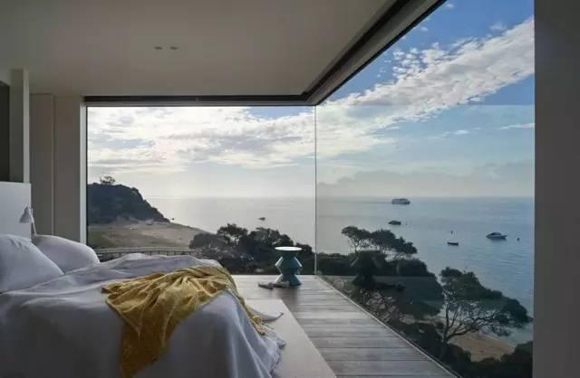落地窗沙滩风景