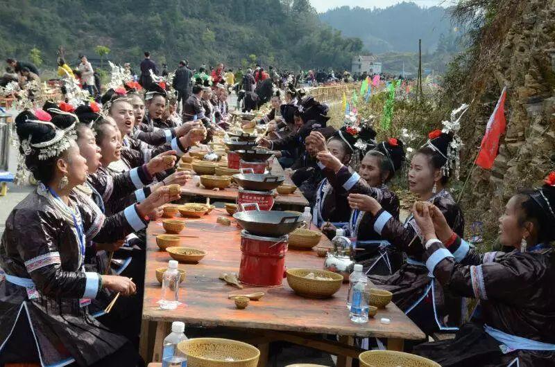各国民俗风情_贵州这个全球最具诱惑力之一的地方,民俗风情敢与丽江媲美!