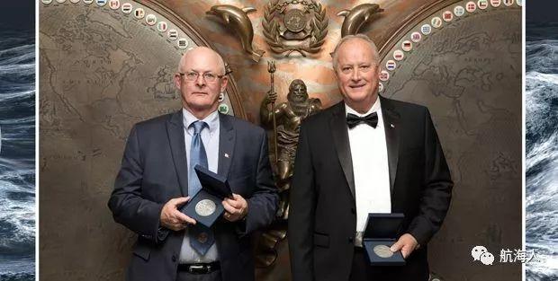 【更多】看点   IMO颁发两大奖项,获得者他们是谁?