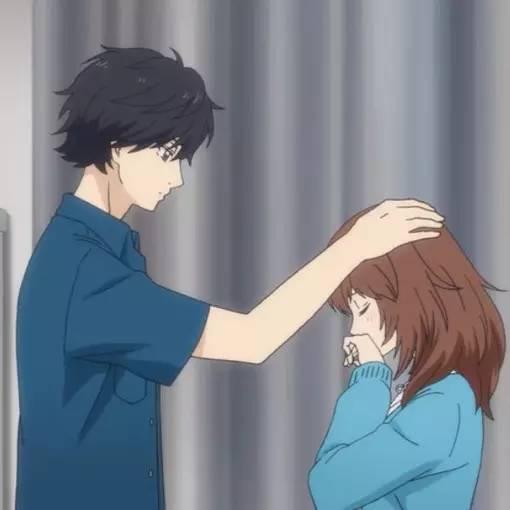 摸插水_男生摸女生头和女生摸男生头的区别,就是这样!