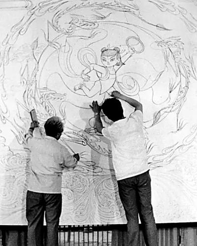 张仃对当时中青年画家(如袁运甫,袁运生,丁绍光,朱军山,韩美林,郑于鹤