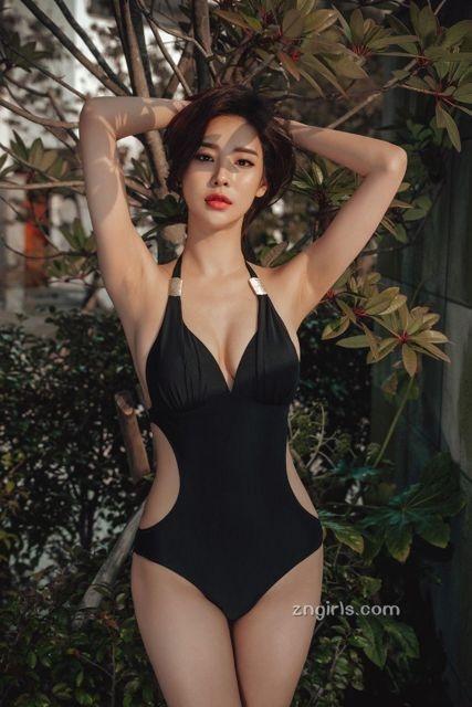第3位,李妍静,韩国网拍模特,甜姐儿,韩流服饰的代表,作品非常多,ig