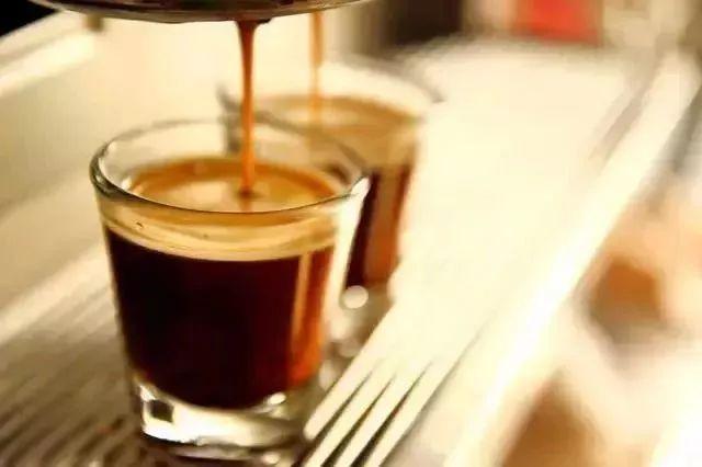 它是意式咖啡的灵魂基底!