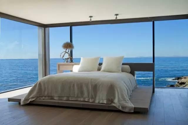 卧室落地窗
