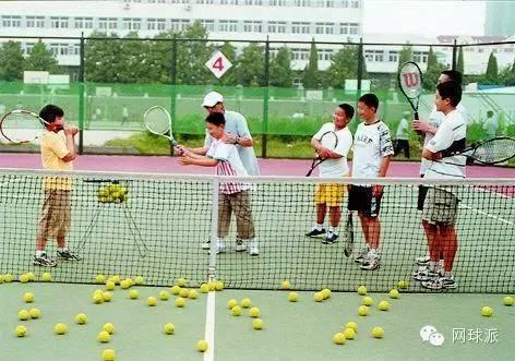 初学网球:你需要准备哪些装备?