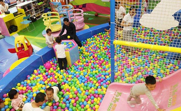 在国内儿童游乐场设备大多数报价多少钱?