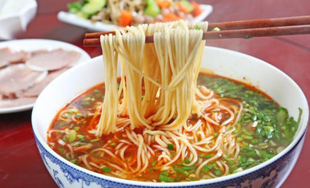 清汤牛肉拉面_兰州牛肉拉面——吊汤工艺、调料粉配方、辣椒油制法
