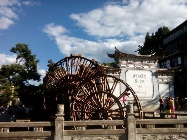 丽江被曝光了很多次,形象受损严重,为什么还是有很多游客要去玩?