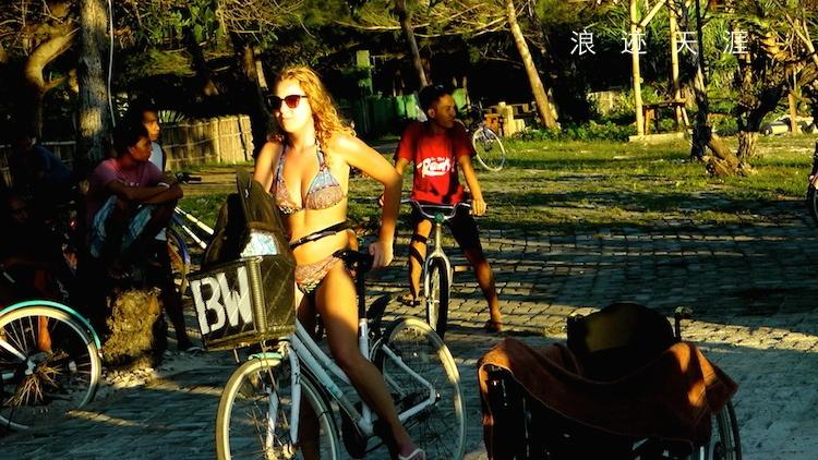 人体艺术小岛南_从龙目岛旁边的吉利小岛观看巴厘岛阿贡山日落美景