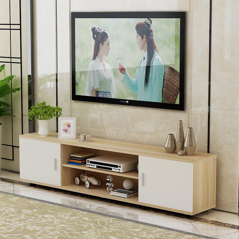 现代风格的客厅,就可以选择线条简单,造型优美的电视柜,遮掩的款式,就图片