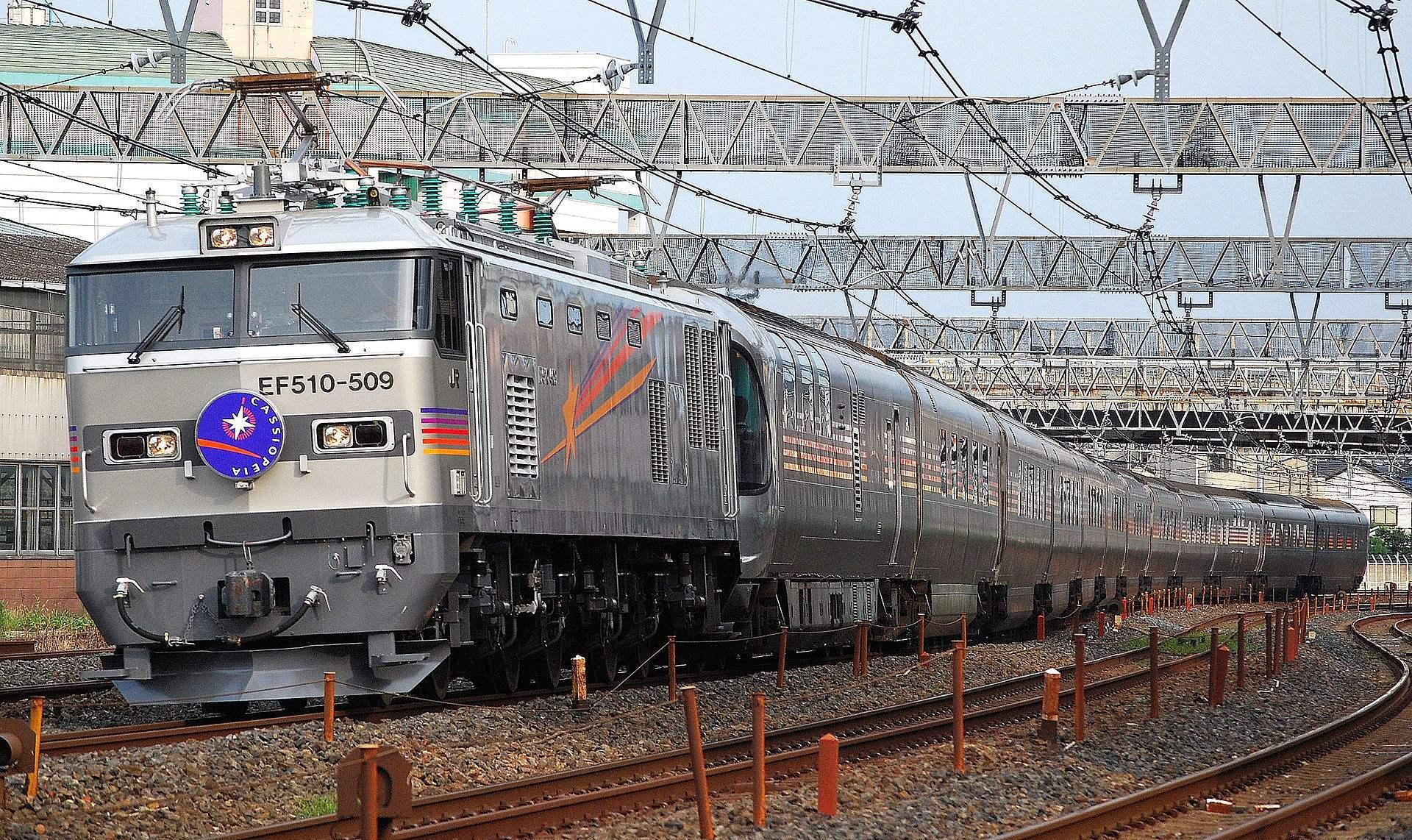在日本乘坐这样的豪华列车旅行,简直太梦幻了!