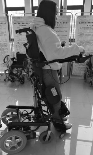 智能轮椅,智能康复训练器械的运                    人提供功能补偿图片