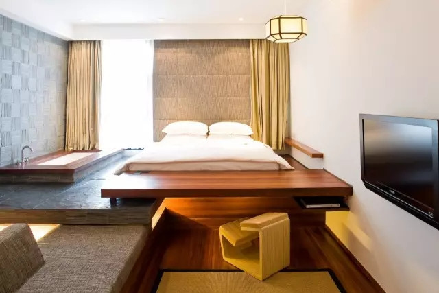 木板房安装整体浴房图片