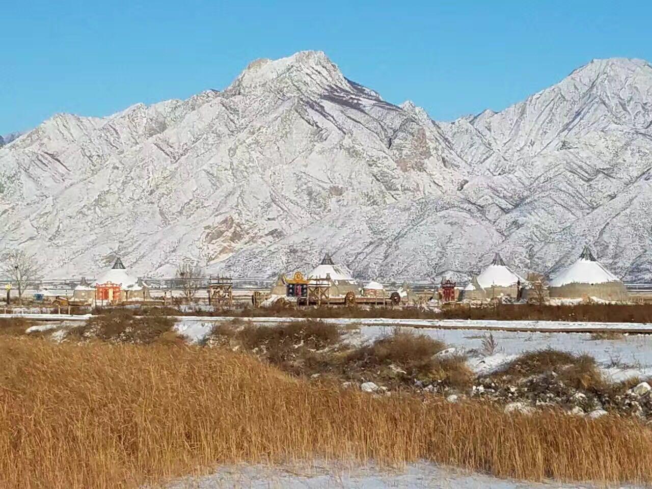 包头哈素海天鹅堡_冬日银装素裹的哈素海,壮美的敕勒川草原