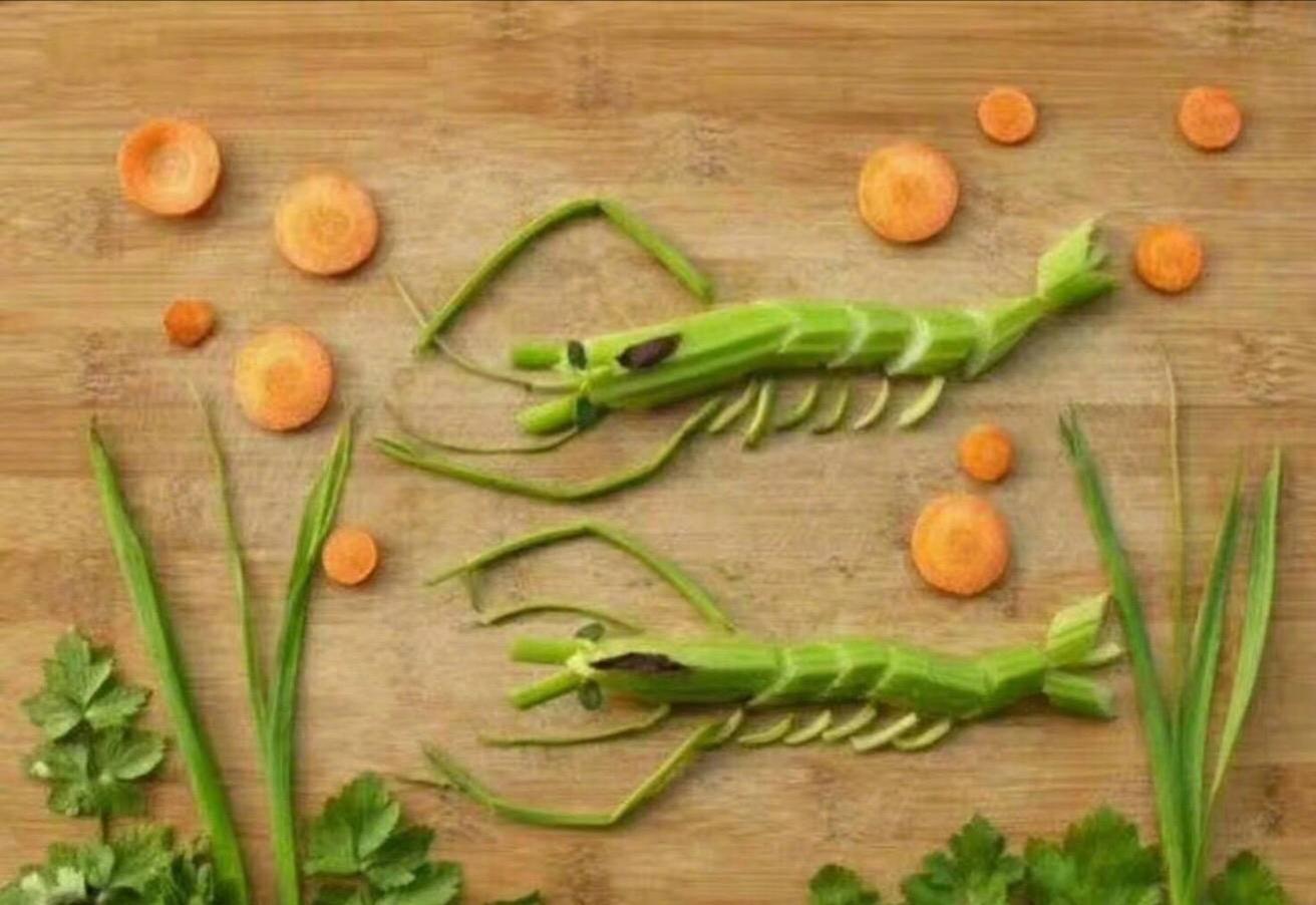 凤姐晒蔬菜拼图画作,网友:你有才了图片