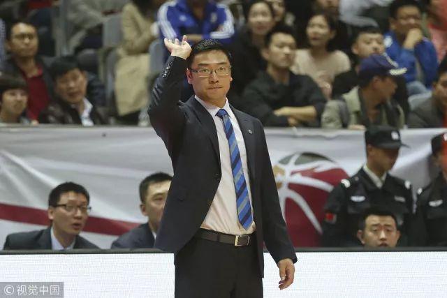 从未消失!刘鹏的上海男篮迎来了波耶特