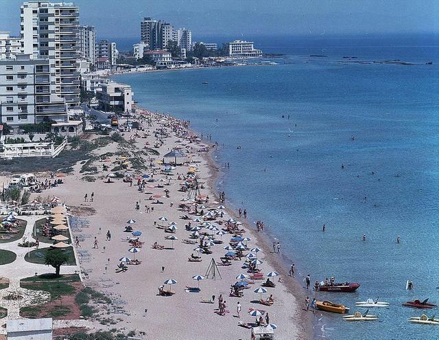 这里曾是世界上最豪华的度假胜地,堪比马尔代夫,如今却沦为鬼城