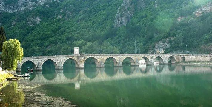 """欧洲又一个国家对中国免签!它曾上榜""""最物有所值旅行地""""第一名!既悲情浪漫,又低调美丽!"""