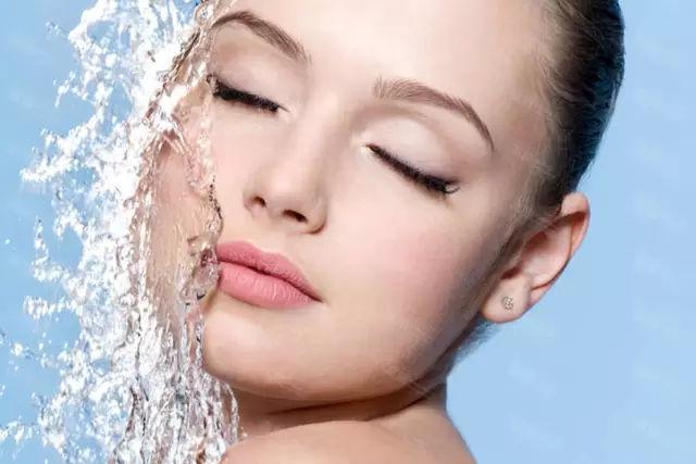 粉穴水多穴嫩_【赞歌护肤】女人每天喝这些,不出一个月,皮肤嫩到滴出水!