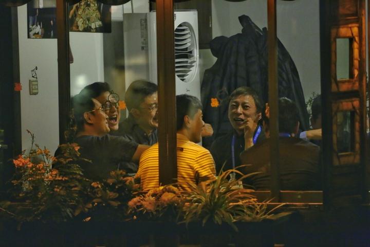 互联网大会的饭桌江湖 '东兴饭局'截胡'丁磊晚宴'的照片 - 14