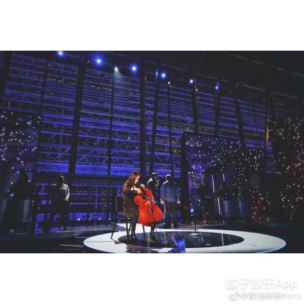 欧阳娜娜赴美演出 姑姑是歌手欧阳菲菲 - 点击图片进入下一页
