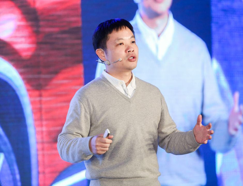 何小鹏:互联网造车要尊重制造业的规律-烽巢网