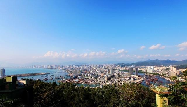 """中国一座被东北人""""占领""""的城市,年均气温26度的最佳避寒胜地"""