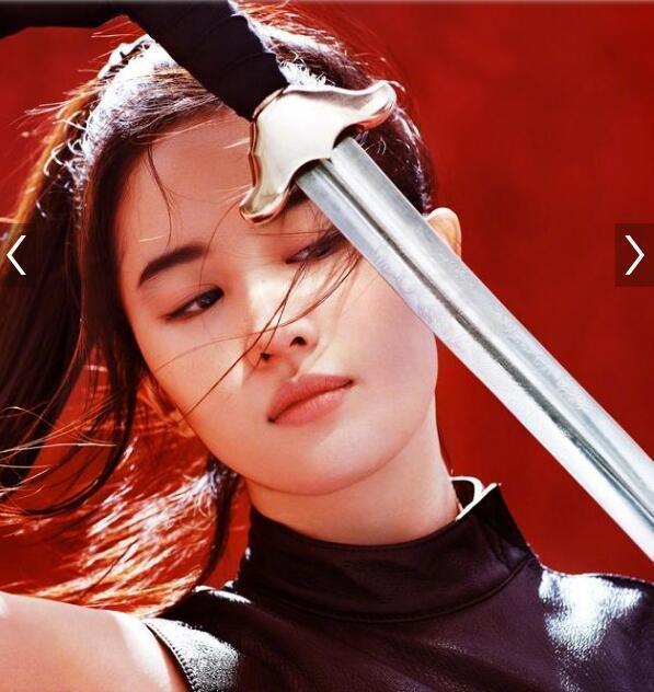 插刘亦菲逼_「胸针迷」神仙姐姐花木兰刘亦菲英气逼人的10个瞬间